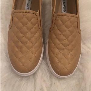 9e2dbe5c8ac Steve Madden Shoes - LIKE NEW Steve Madden Ecentrcq. Size 10!
